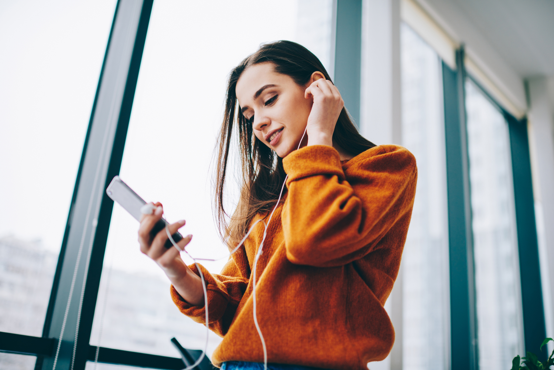 Quer desenvolver conversas mais espontâneas e envolventes para o seu chatbot inteligente aumentar o engajamento e conversão? Veja aqui algumas dicas para lucrar mais.