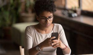 Confira algumas razões que podem levar uma empresa a ter a conta banida no WhatsApp Business. Saiba o que fazer quando ocorrer esse tipo de situação.