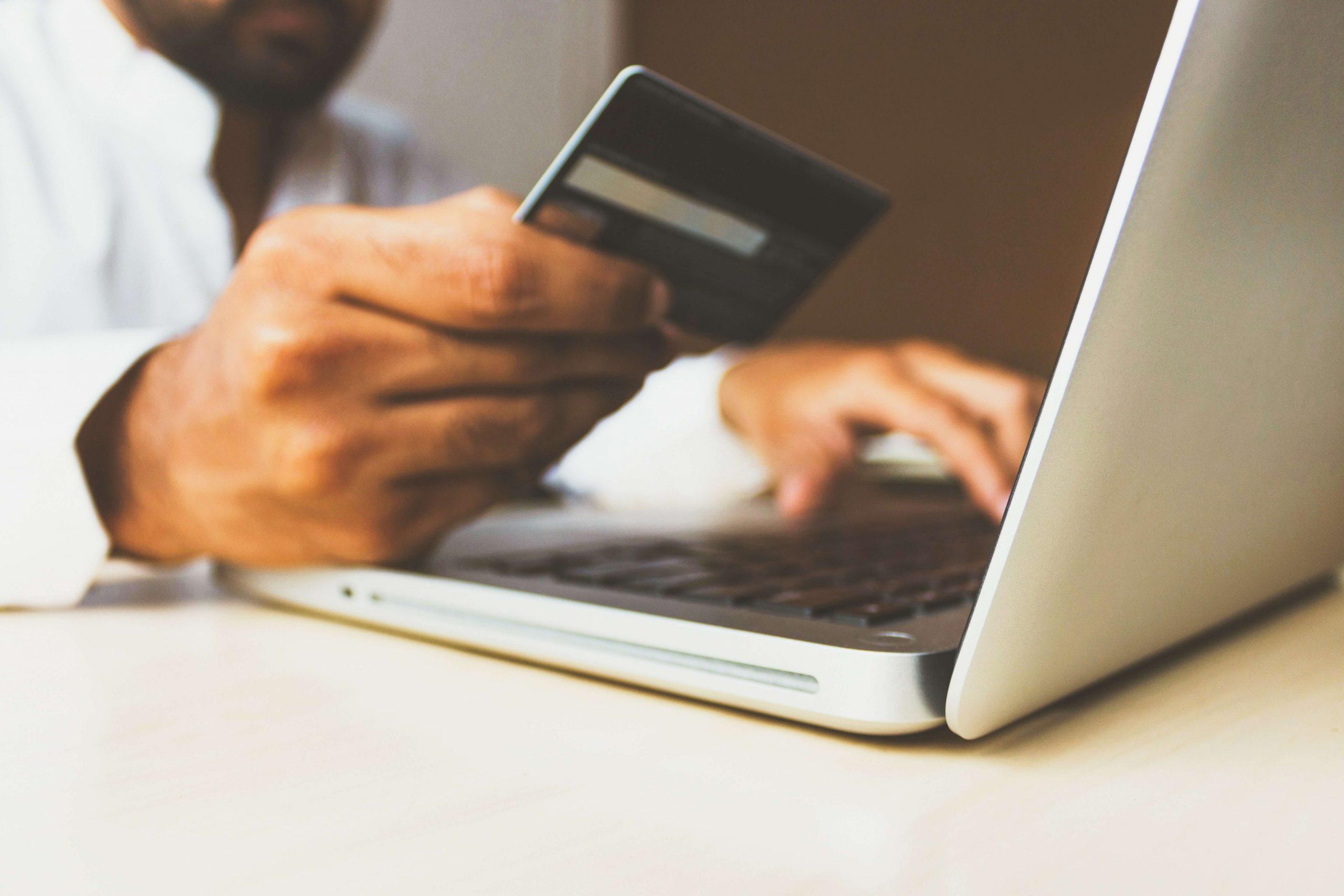 5 dicas para preparar seu e-commerce para atender bem e vender mais no Dia Mundial do Consumidor
